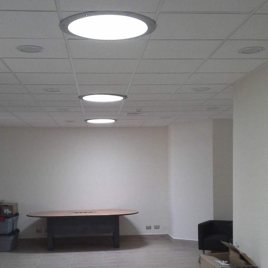Luz natural en oficinas y naves im genes de iluminaci n de interiores - Sistemas de iluminacion interior ...